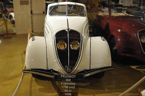 Peugeot_302_001